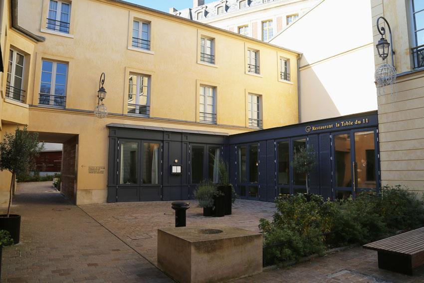 08 façade